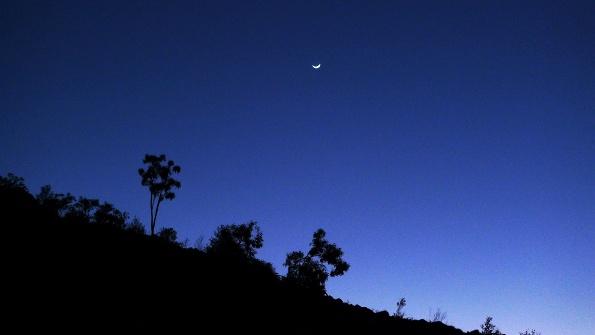 ...der Mond geht (irgendwann demnächst mal) unter.