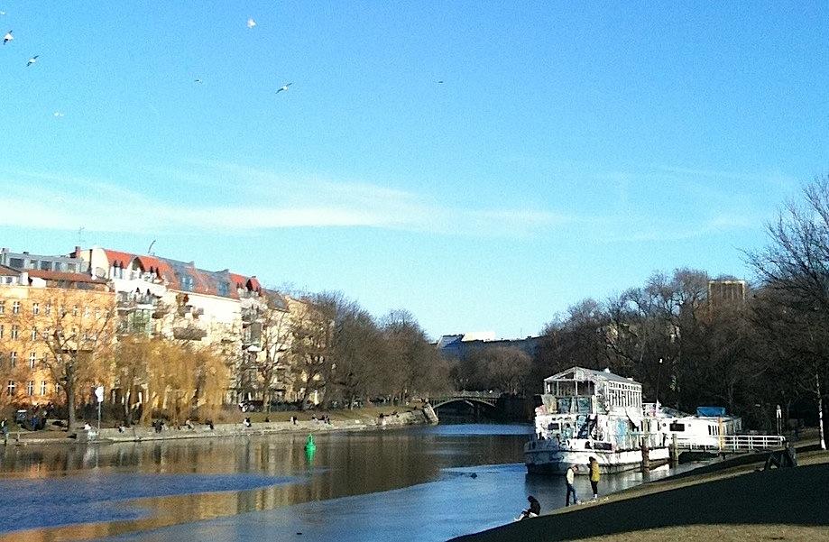 Landwehrkanal. Berlin, 6 mars 2011